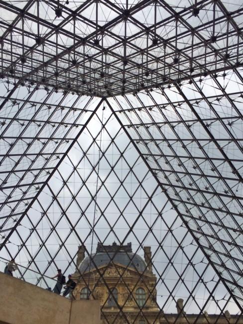Louvre_exterior10