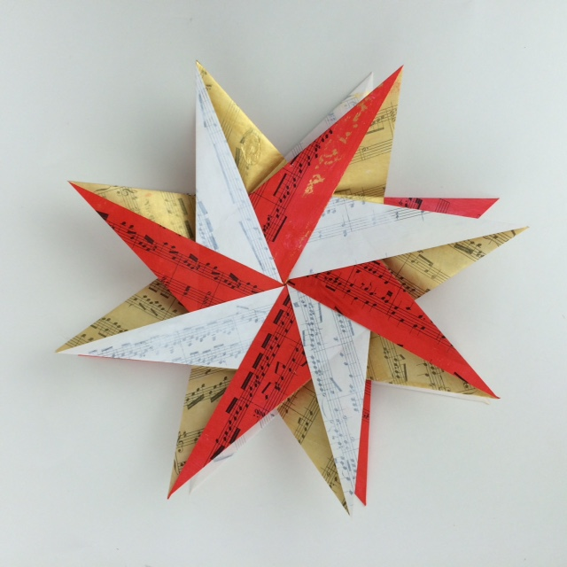 Kinard_origami_braided_corona_star4