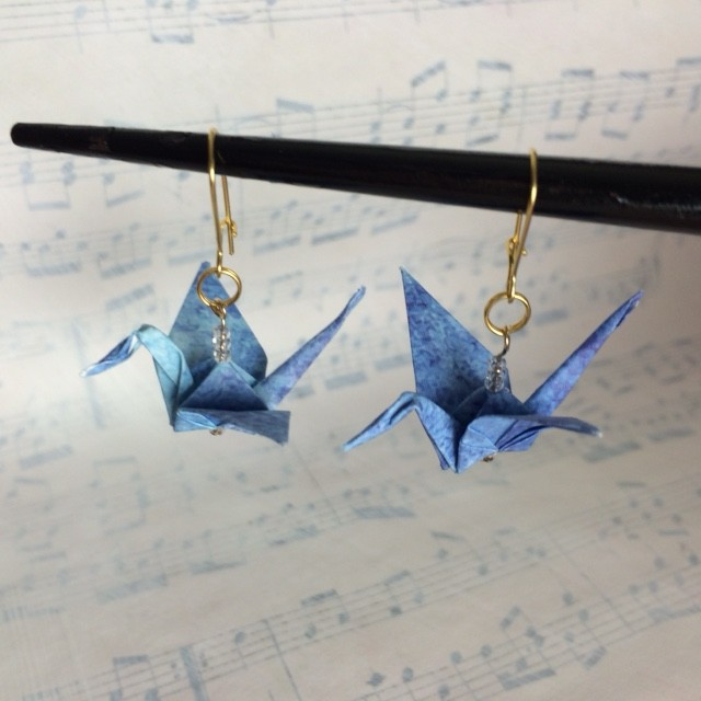 kinard_origami_crane_earrings_blue3