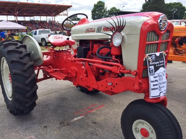 kinard_tractors_gottobenc_6