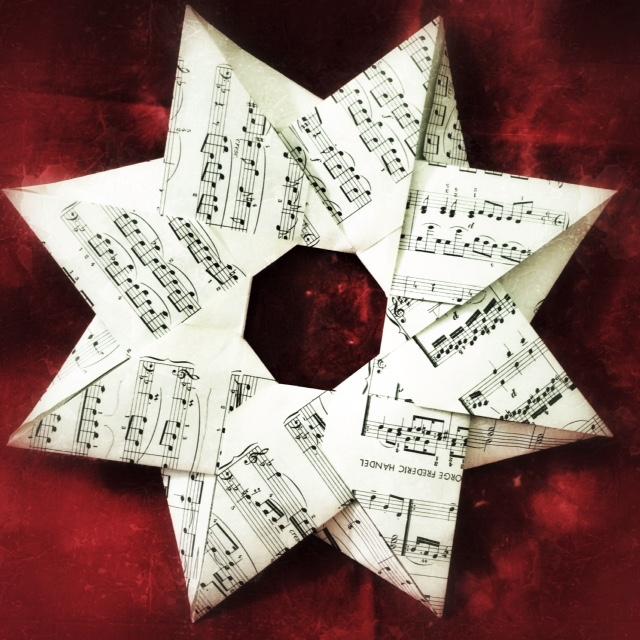Modular Origami Robin Star Tutorial (Maria Sinayskaya) - YouTube | 640x640