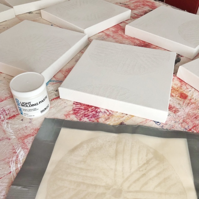 Canvases, screen, molding paste